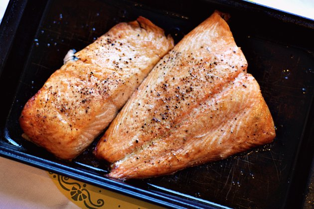 How to broil salmon weeklybite how to broil salmon ccuart Choice Image