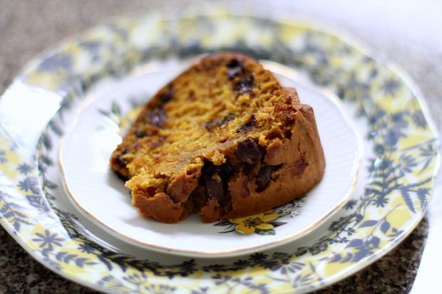 Vegan Pumpkin Chocolate Chip Bundt Cake (using a mini-bundt pan)