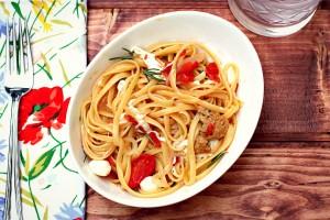 One Pot Tomato Rosemary Linguini With Meatballs & Mozzarella