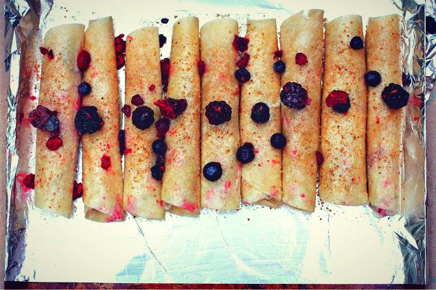 mixesberrydarkchocolateyogurtrollups