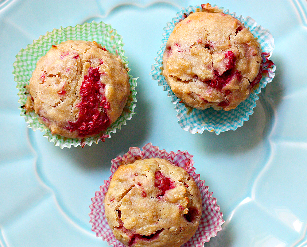 Peanut Butter Raspberry Oatmeal Muffins